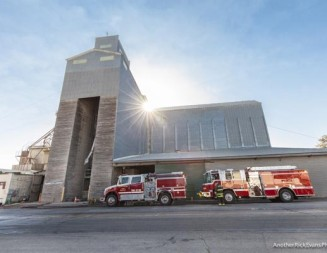 Crews contain fire at Templeton Feed and Grain